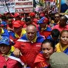 Chavistas marcham em repúdio a bloqueio dos EUA contra ...