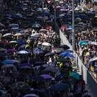 Hong Kong tem novo dia de protestos e confrontos
