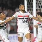 São Paulo supera retranca do Corinthians e bate o rival
