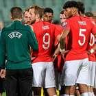 Inglaterra goleia em jogo marcado por cantos nazistas