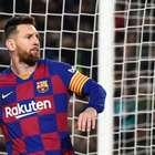 Com hat-trick de Messi, Barcelona bate o Celta e segue ...