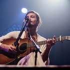 Tiago Iorc anuncia live musical com nova música