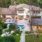 Miley Cyrus compra mansão avaliada em R$ 26 milhões
