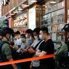 Polícia de Hong Kong prende quase 300 em manifestação