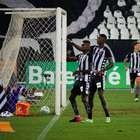 Botafogo supera o Vasco por 1 a 0 na ida da Copa do Brasil
