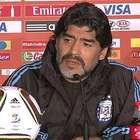 Maradona critica Balón de Oro a Messi