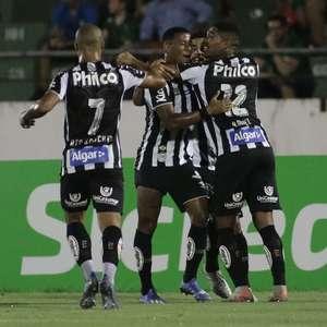 Santos sofre, mas bate Guarani com gol contra nos acréscimos