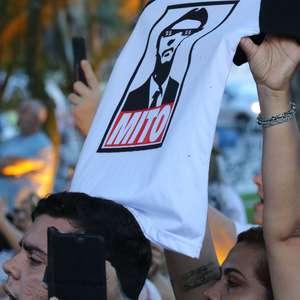 Picos de novos seguidores de Bolsonaro coincidem com crises