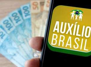 Governo volta atrás e não pagará R$ 400 do Auxílio Brasil
