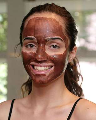 Máscara caseira de chocolate hidrata e dá firmeza à pele