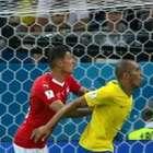 Diretor da Fifa admite 'erro' em gol da Suíça no Brasil
