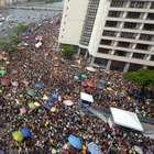 43º desfile do Galo da Madrugada arrasta multidões em Recife