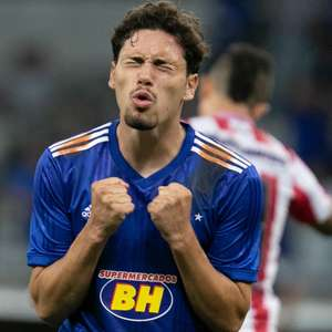 Cruzeiro sofre e só vence Villa Nova graças a gol contra