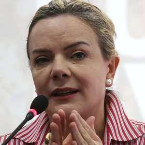 Gleisi diz esperar que Lula saia da prisão antes do Natal
