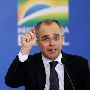Ministro admite que pasta fez relatório sobre opositores