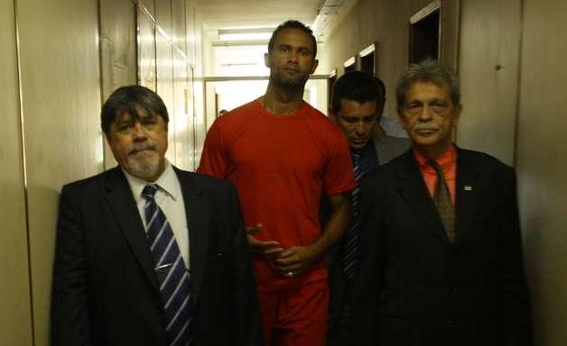 MG: após briga em presídio, Justiça adia progressão de regime de Bruno