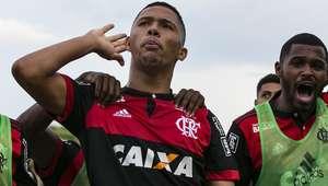Fla vence Portuguesa e chega à 3ª final da Copinha em 8 anos