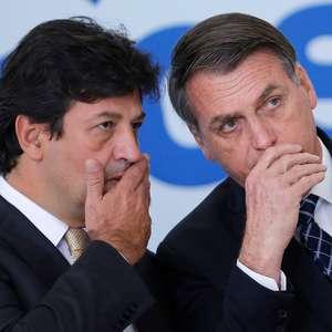 """""""Bolsonaro ficou estacionado na fase da negação da covid-19"""""""