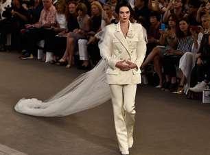 Reconhece? Kendall Jenner desfila como noiva para Chanel
