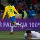 Brasil vira com 2 gols de Jesus e diminui pressão sobre Tite