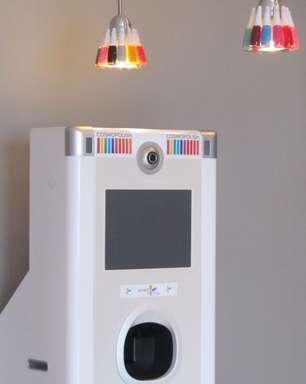 """Salão especializado tem máquina que """"imprime"""" imagens nas unhas"""