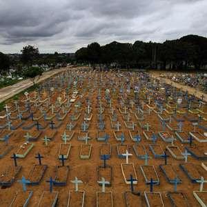 Brasil tem maior alta de óbitos entre países com mais mortes