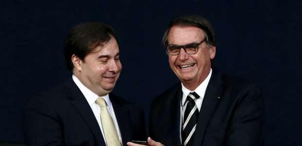 Bolsonaro se compromete a defender reforma e acena trégua
