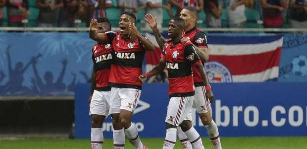 Fla bate Bahia com estreia e passe sem querer de E. Ribeiro