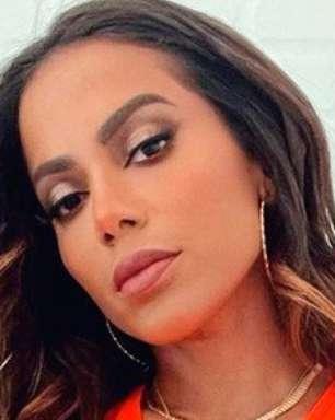 Anitta tenta affair com jogador de vôlei e se decepciona