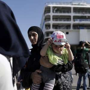 Unos 2.500 refugiados e inmigrantes llega