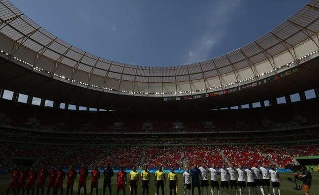 Primeira Liga quer usar estádios 'elefantes brancos' em 2018