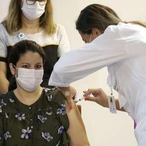 Justiça do AM exige divulgação diária de lista de vacinados