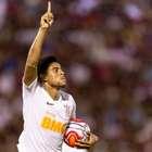 Gustagol sai do banco e arranca empate para o Corinthians