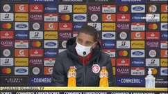 """INTERNACIONAL: """"Difícil vir aqui e falar"""", lamenta Taison após eliminação na Libertadores"""