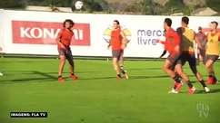 FLAMENGO: Que golaço! Diego Ribas marca uma pintura de cobertura durante o treino