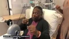Pelé realiza fisioterapia, mostra bom humor e sinais de recuperação