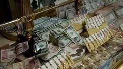 Moradores ofertam ouro por comida em cidade síria