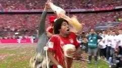 Festa alemã! Bayern comemora título com banho de cerveja