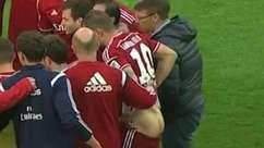 Pegue no bumbum! Alemão ganha massagem inusitada em jogo