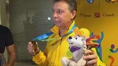 Magnano exibe medalha e vibra com primeiro título no Brasil