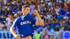Vitória do Cruzeiro sobre o Galo tem primeiro gol de Neves e Fred expulso. Assista!