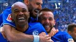 Brasileiro faz golaço em vitória do Schalke em clássico alemão