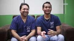 Colegas de classe, pai e filho vendem espetinho para pagar curso de Medicina
