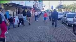 Centro de Cascavel fica lotado para compras do Dia das Mães