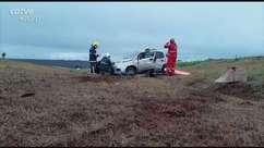 Duas jovens ficam feridas em capotamento na BR 467 em Cascavel