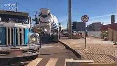 Caminhão na piscina:  Após 12 dias veículo é retirado do local