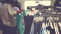 Dicas para economizar durante as compras de roupas