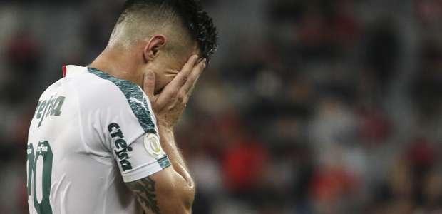 Palmeiras só empata com Athletico e fica a 10 pontos do Fla
