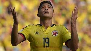 Colômbia corre riscos, mas estreia com vitória sobre o Peru