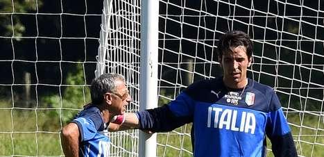 Com Buffon e De Rossi, iItália volta a treinar com 23
